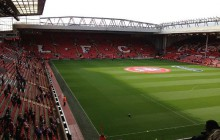 11. kolejka Premier League: The Reds lepsi od The Blues. Hat trick Arouny Kone